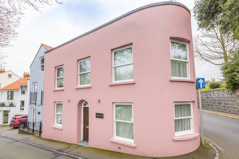 2 bedroom semi-detached house to rent - Upland Road, St. Peter Port, Guernsey