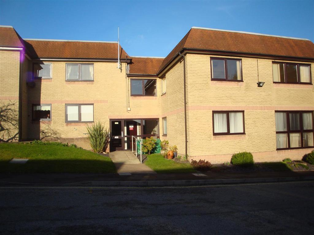 2 Bedrooms Flat for sale in 57 Linnet House, Lifestyle Village, High Street, Old Whittington. S41 9LQ