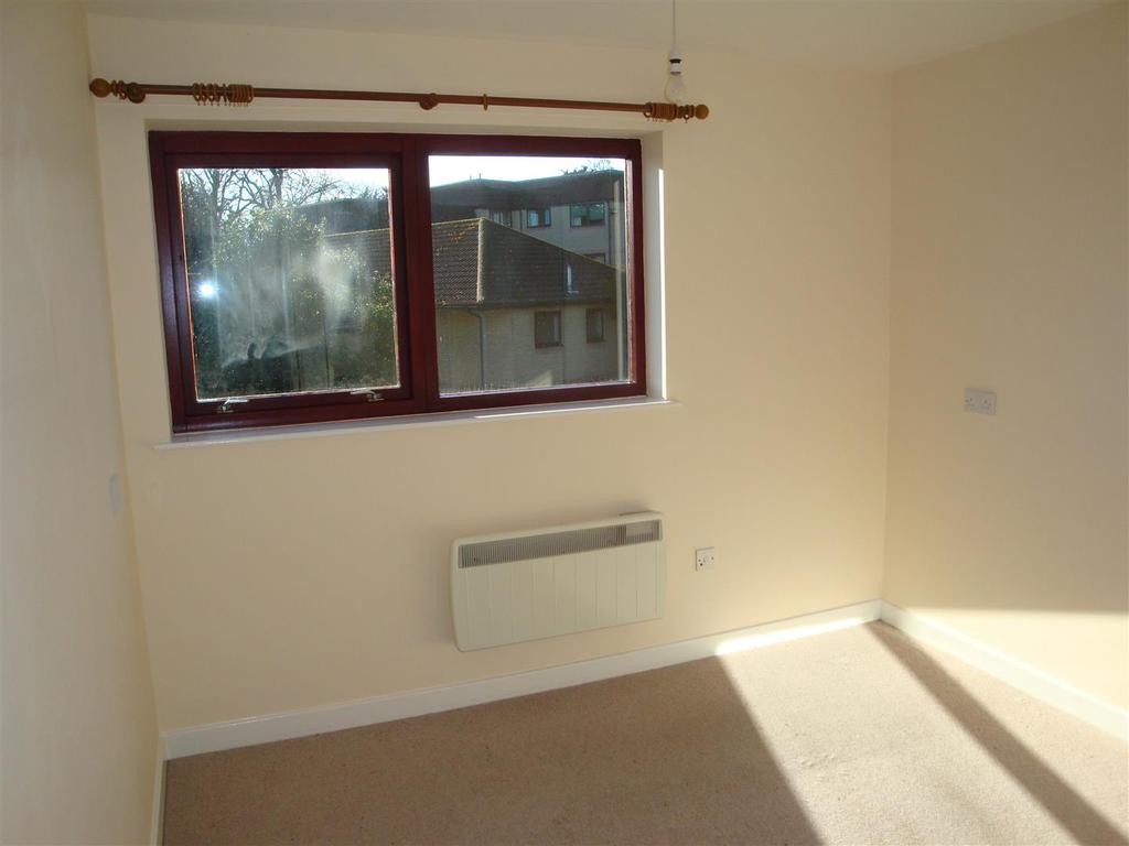 1 Bedroom Flat for sale in 6 Kingfisher House, Lifestyle Village, High Street, Old Whittington. S41 9LQ