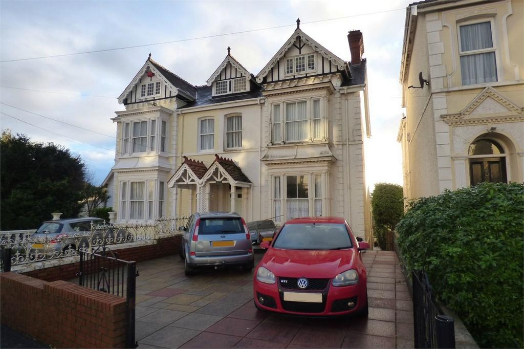 6 Bedrooms Semi Detached House for sale in 35 Old Road, Llanelli, Carmarthenshire