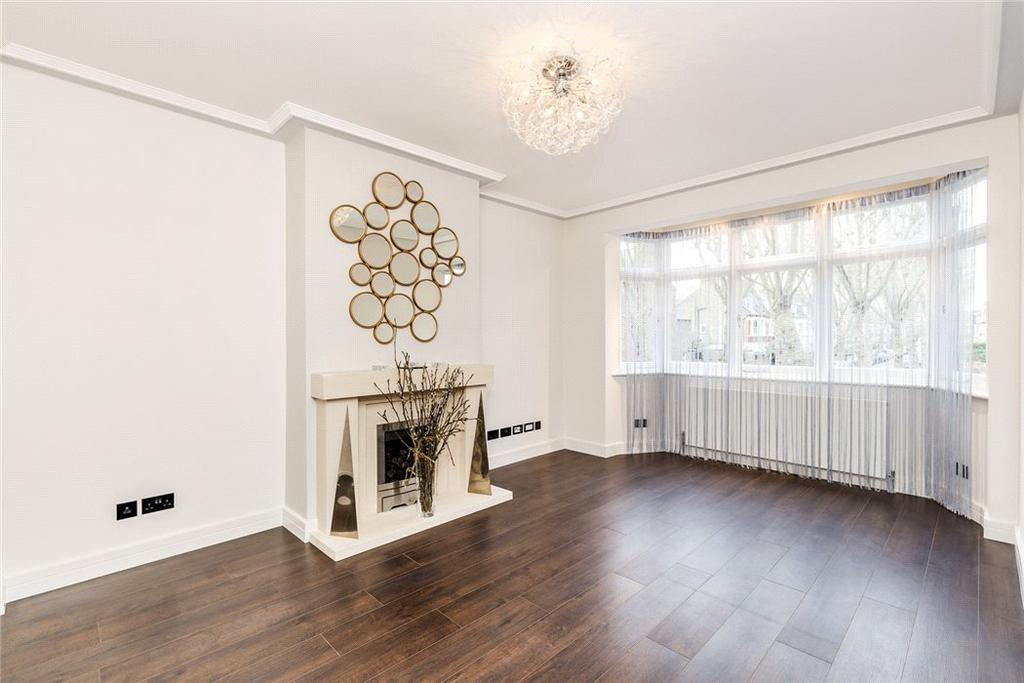 2 Bedrooms Flat for sale in Thornton Avenue, Chiswick, London, W4