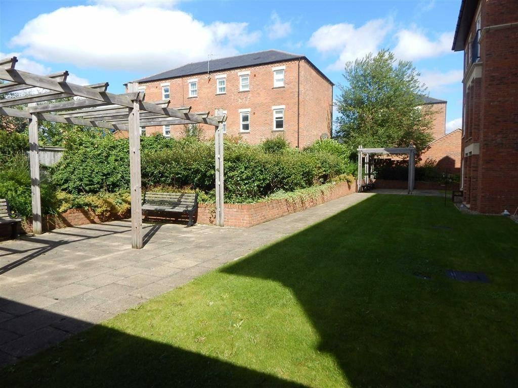 2 Bedrooms Apartment Flat for sale in College Court, Ripon