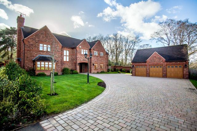 5 Bedrooms Detached House for sale in Little Aston Park Road,Little Aston,Sutton Coldfield