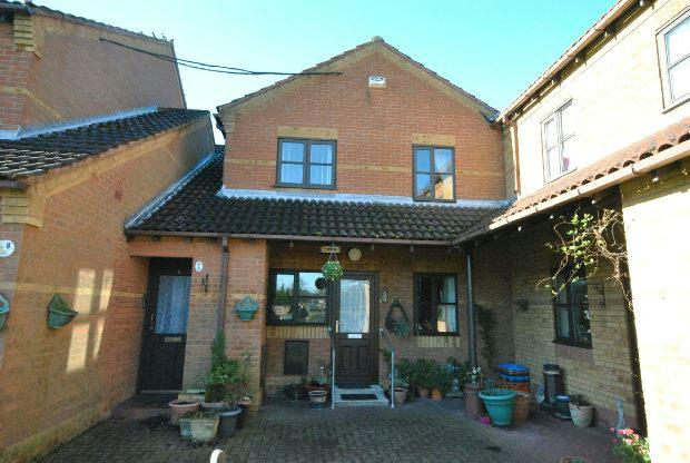 2 Bedrooms Retirement Property for sale in Orchard Court, Waltham, GRIMSBY
