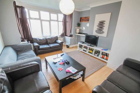 5 bedroom semi-detached house to rent - ALL BILLS INCLUDED - St. Annes Road, Headingley