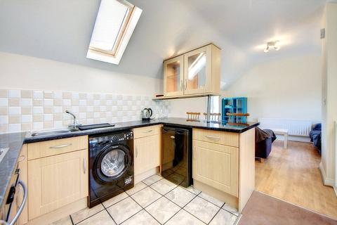 3 bedroom house to rent - St Georges Mews, West Jesmond, NE2