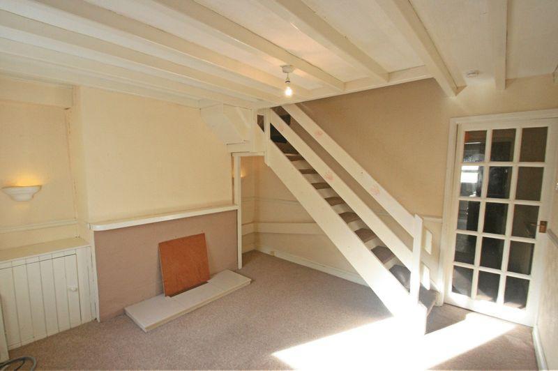 2 Bedrooms Terraced House for sale in Bangor, Gwynedd