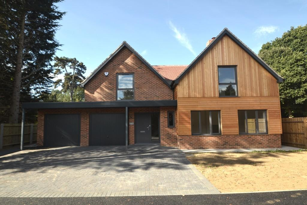 4 Bedrooms Detached House for sale in Cedar House 213a Rushmere Road Ipswich