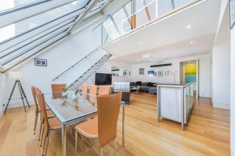 3 bedroom apartment to rent - Dean Street, Soho, London