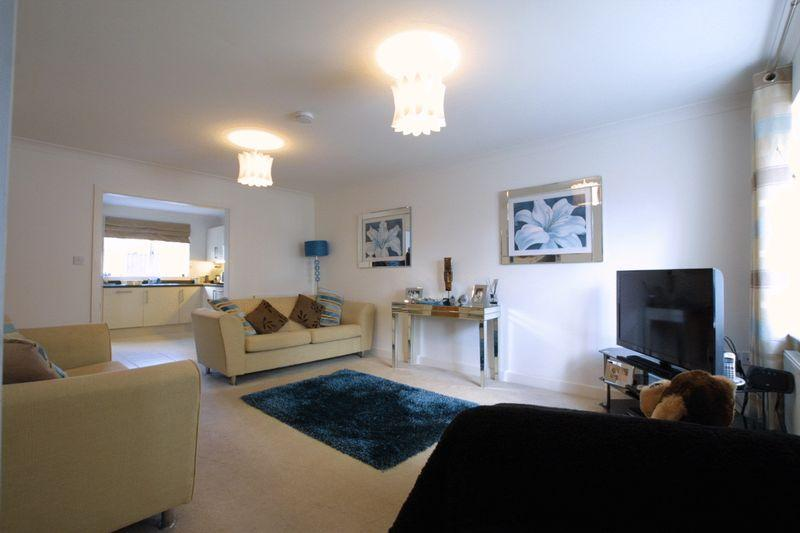 4 Bedrooms Detached House for sale in Valley
