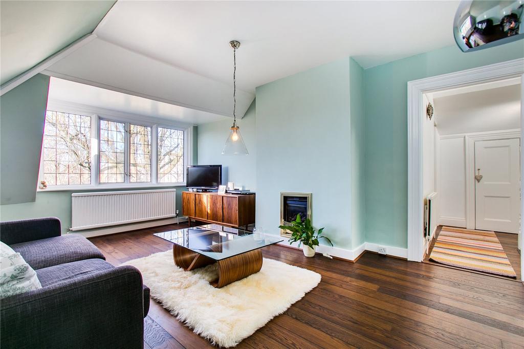 3 Bedrooms Flat for sale in Akehurst Street, Putney, London