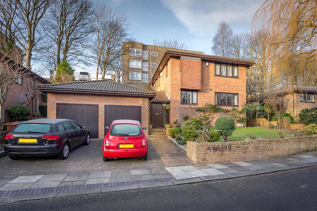 4 Bedrooms Detached House for sale in Lindisfarne Close, Jesmond, Newcastle Upon Tyne