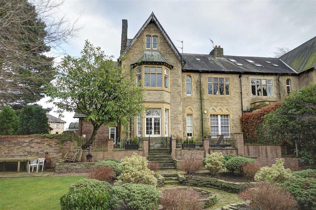 3 Bedrooms Apartment Flat for sale in Groby Road, Bowdon, Cheshire