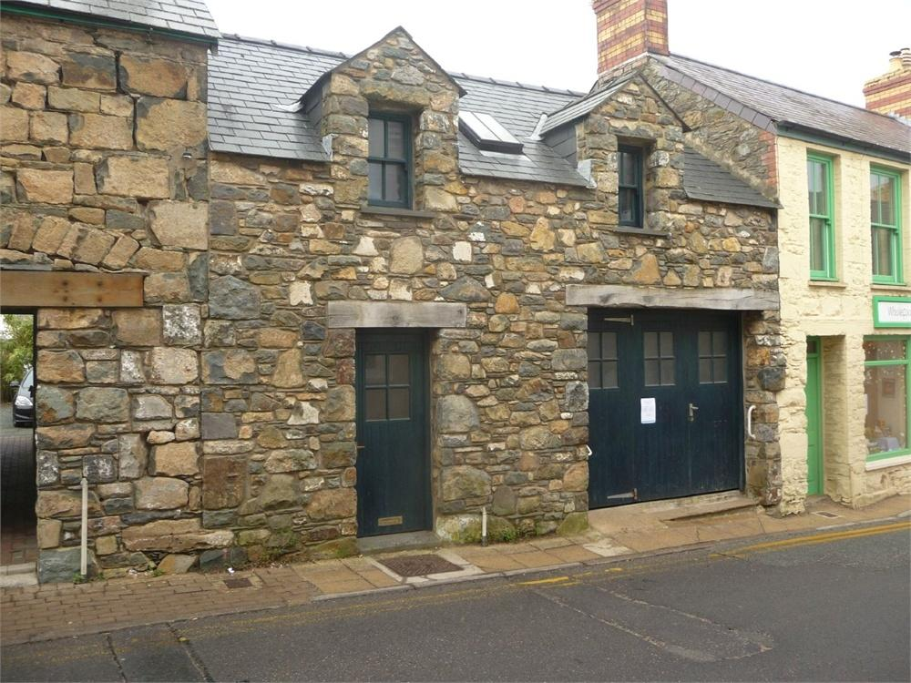 2 Bedrooms Terraced House for sale in The Stores, East Street, Newport, Pembrokeshire
