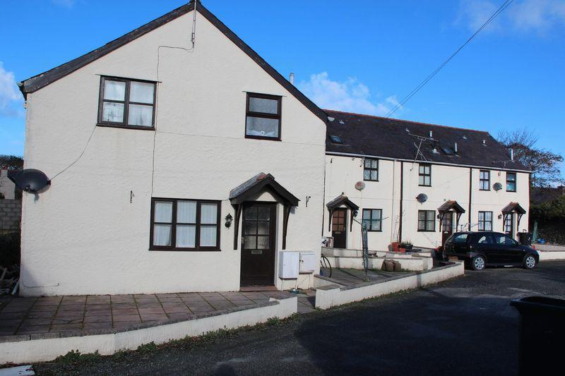 2 Bedrooms Terraced House for sale in Station Road, Valley