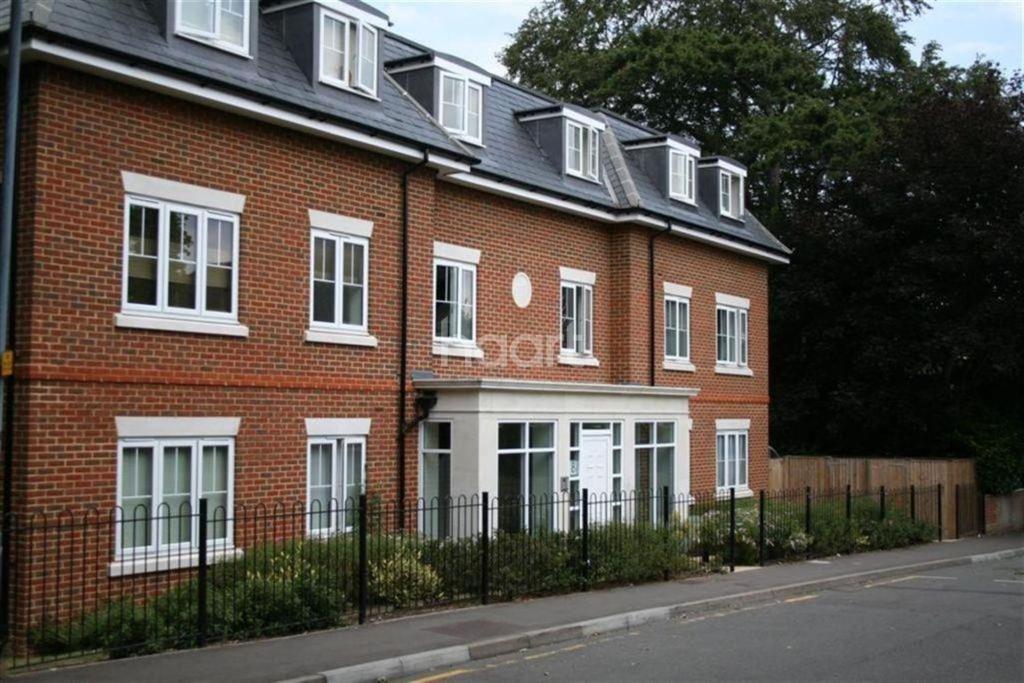 1 Bedroom Flat for sale in Ludlow Road