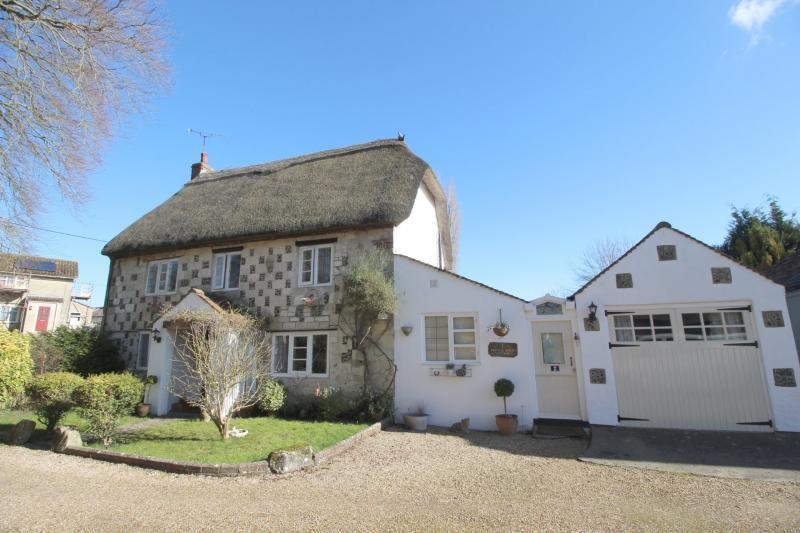 3 Bedrooms Cottage House for sale in 2FRENCHHORNCODFORDWARMINSTER