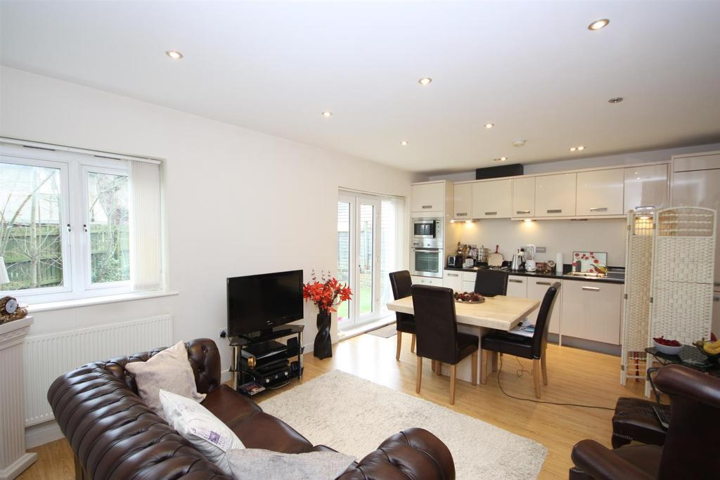 2 Bedrooms Apartment Flat for sale in Parkside House, 2 Westmoor Street, Leeds