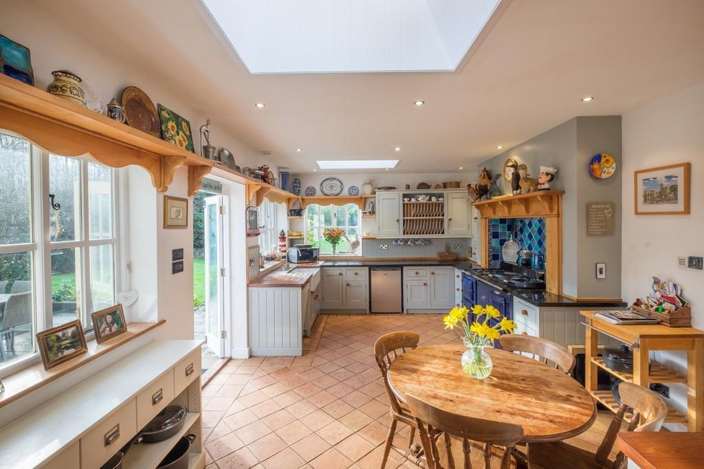 9 Bedrooms Detached House for sale in Newchurch