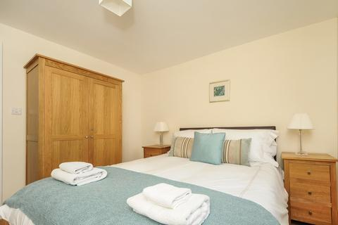 2 bedroom apartment to rent - Manor Court, Beech Road, Oxford  OX3