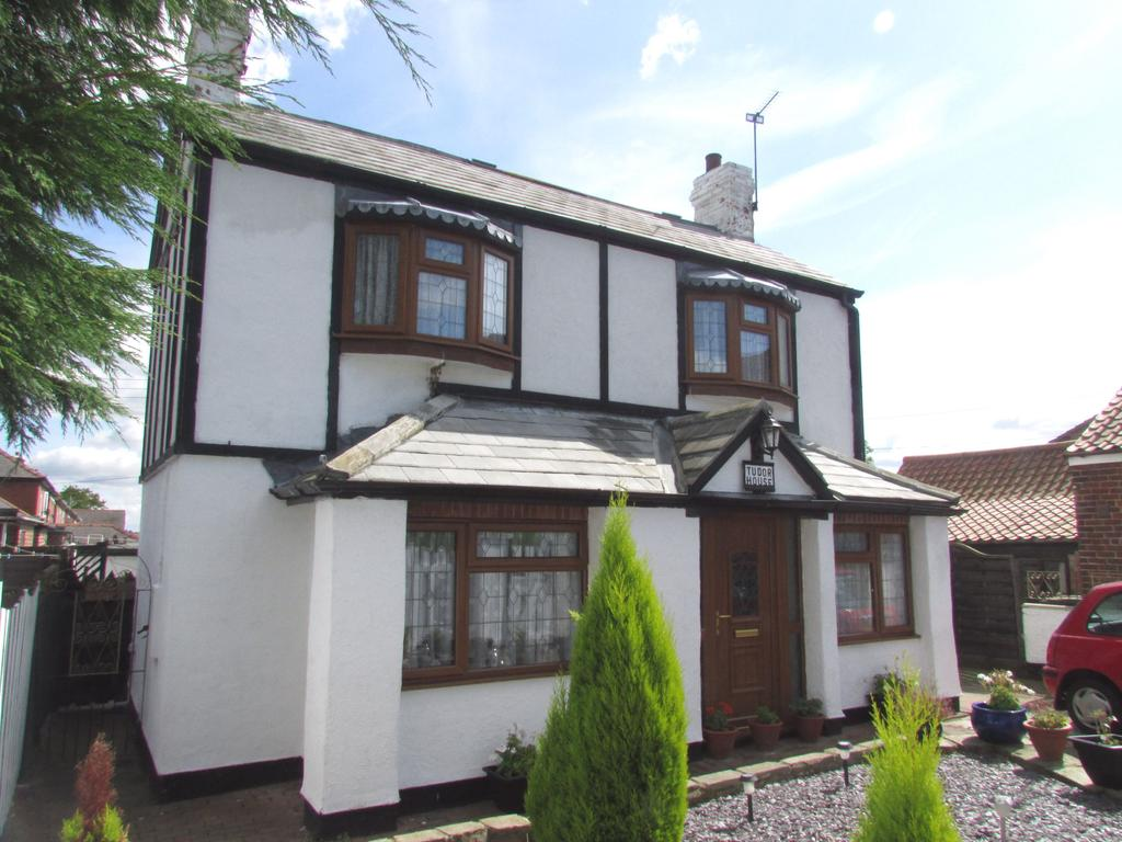 2 Bedrooms Detached House for sale in High Street, East Butterwick, Lincolnshire, DN17