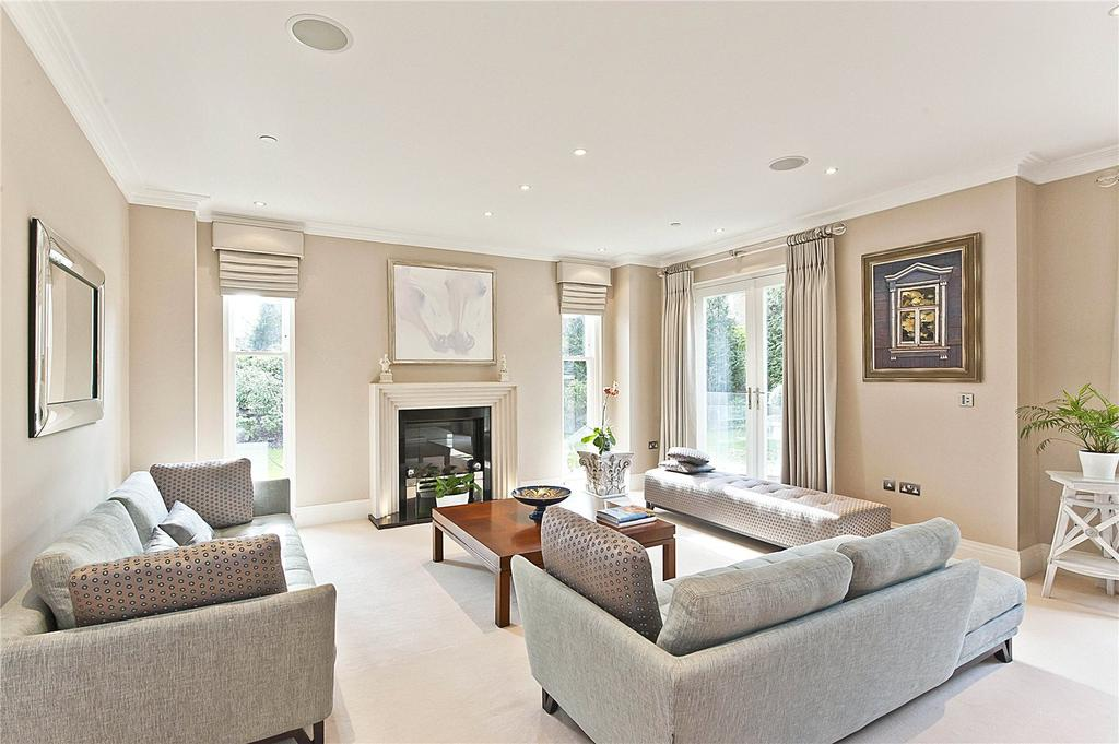 4 Bedrooms Semi Detached House for sale in St. Georges Place, Esher Park Avenue, Esher, Surrey, KT10