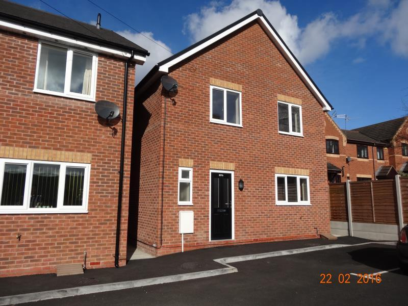 3 Bedrooms Detached House for rent in Littleworth Road, Hford