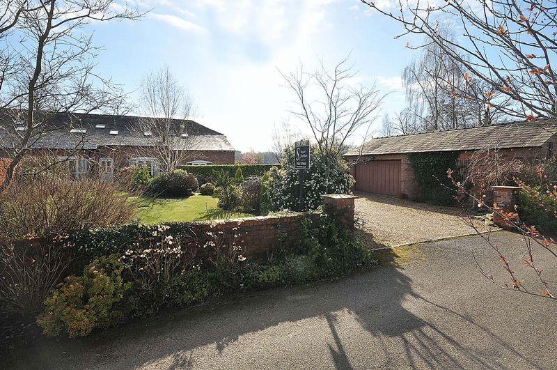3 Bedrooms Semi Detached House for sale in Allostock, nr Knutsford