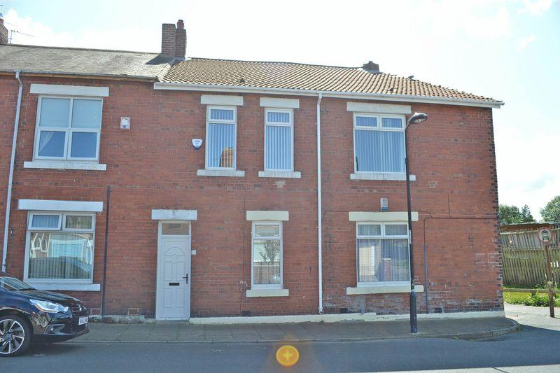 3 Bedrooms Apartment Flat for sale in Berwick Terrace, North Shields
