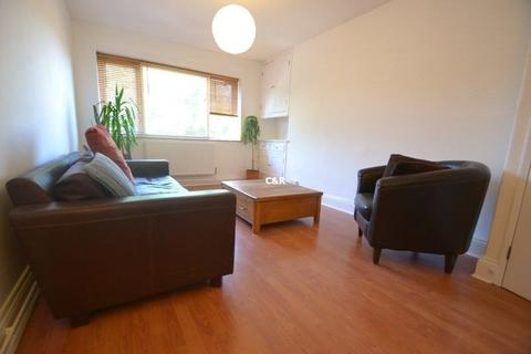 3 bedroom apartment to rent - Humberstone Avenue, Hulme, Manchester   M15 5EE