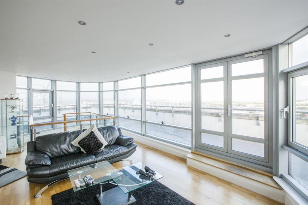 3 Bedrooms Duplex Flat for sale in Altolusso, Bute Terrace