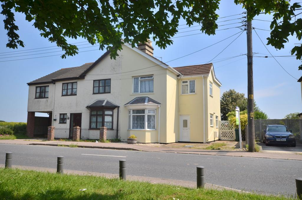3 Bedrooms Semi Detached House for sale in The Street, Little Clacton