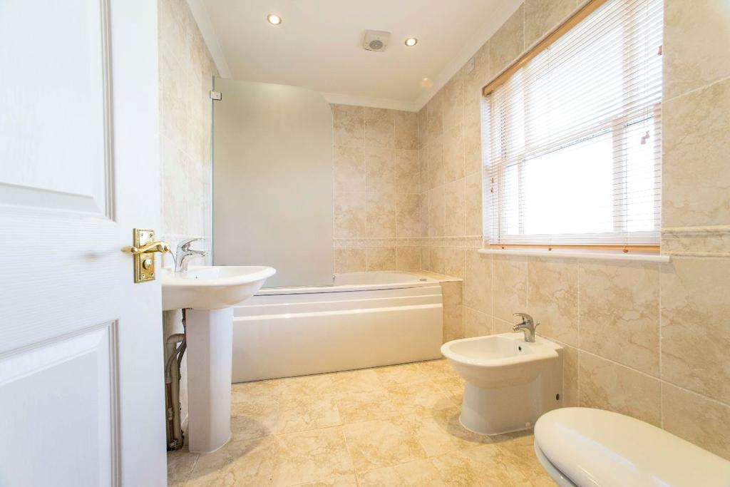 5 Bedrooms Detached House for sale in Jubilee Place, The Avenue, Brecon, LD3 9BG