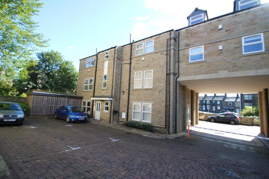 2 Bedrooms Apartment Flat for sale in SPRINGFIELD COURT, GUISELEY, LEEEDS, LS20 8FD