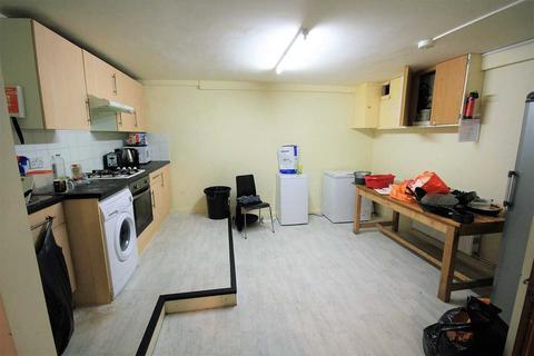 5 bedroom property to rent - Lewes Road, Brighton