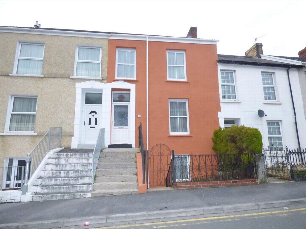 4 Bedrooms Terraced House for sale in 19 Tunnel Road, Llanelli, Carmarthenshire