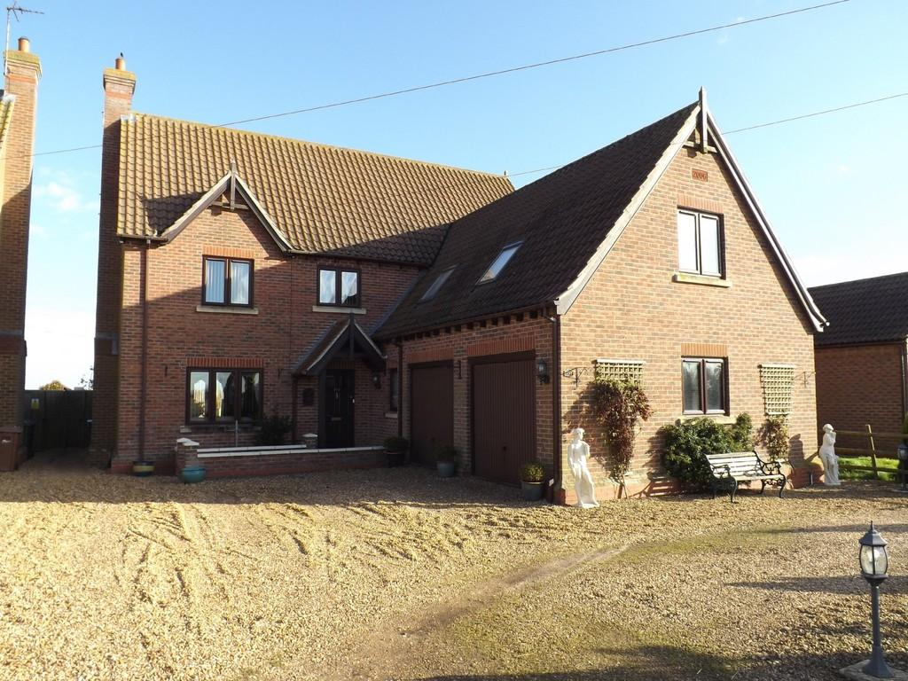 4 Bedrooms Detached House for sale in Whittlesey Road, Turves