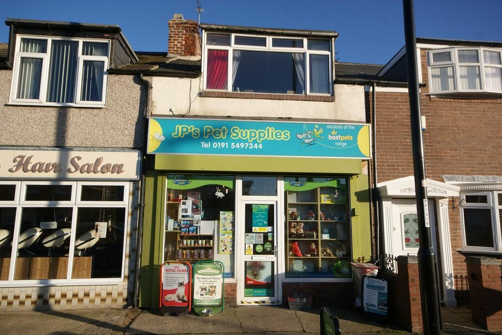 2 Bedrooms Apartment Flat for sale in Fulwell Road, Fulwell
