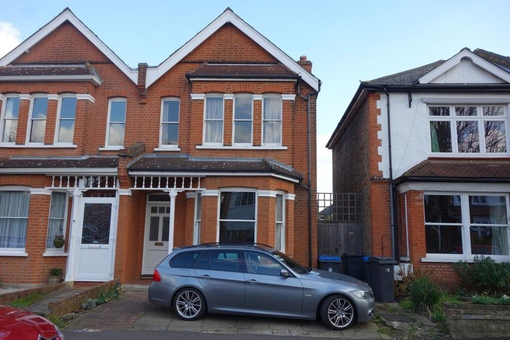 3 Bedrooms Semi Detached House for sale in Cotterill Road, Surbiton, KT6 7UN