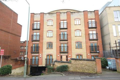 1 bedroom flat to rent - Newbury House, Approach Road, New Barnet