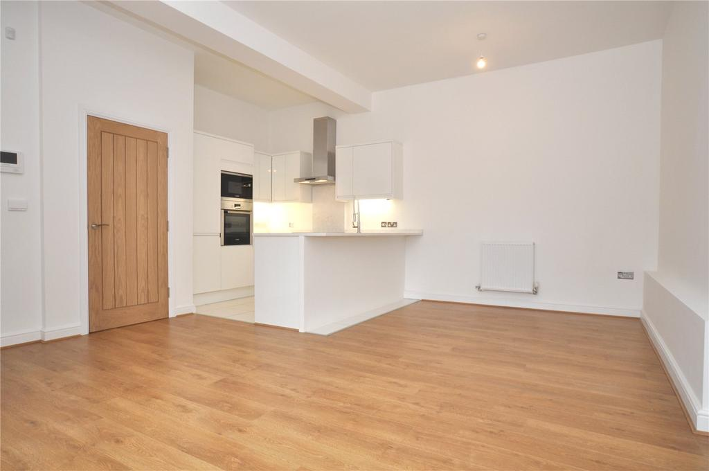2 Bedrooms Flat for sale in Christleton Road, Chester, CH3
