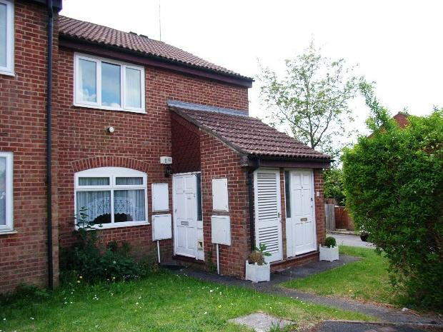 1 Bedroom Flat for rent in CLANFIELD - ARLE CLOSE - UNFURN