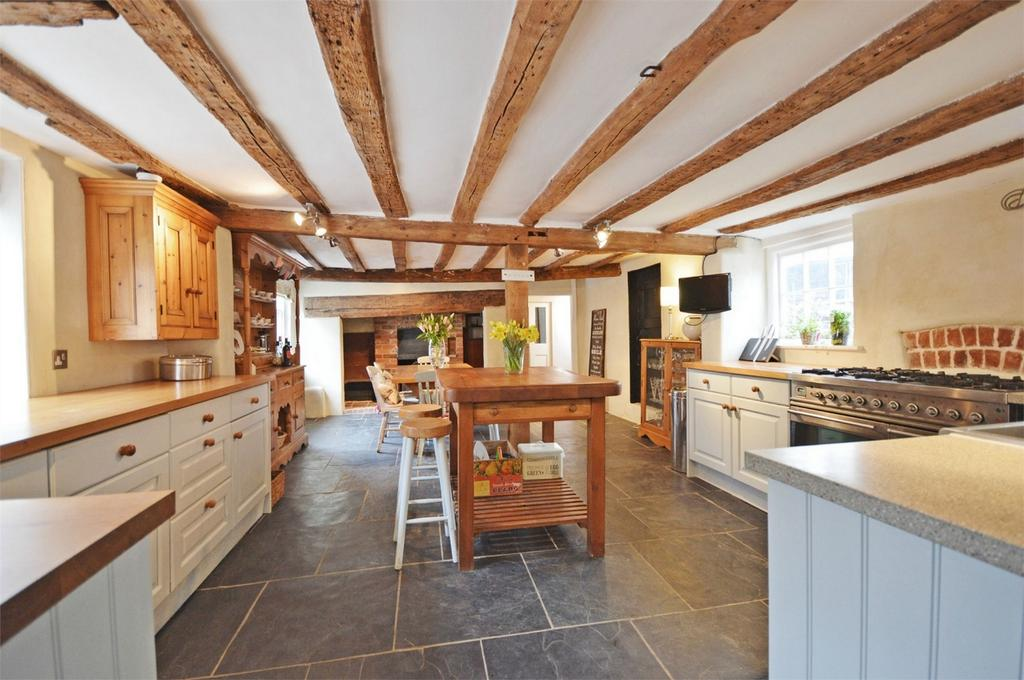 5 Bedrooms Detached House for sale in The Old Kings Head, Cambridge Road, Quendon