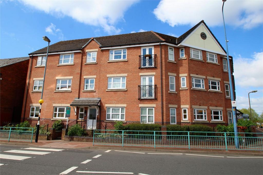2 Bedrooms Flat for sale in Hingley Court, Hill Passage, CRADLEY HEATH, West Midlands