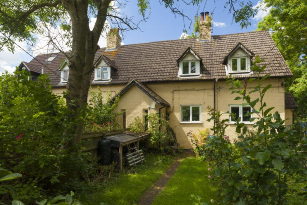 2 Bedrooms Terraced House for sale in Stone Street, Stanford, TN25
