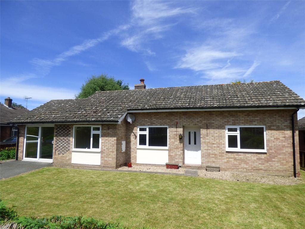 3 Bedrooms Detached Bungalow for sale in Castle Meadow, Painscastle, Builth Wells, Powys