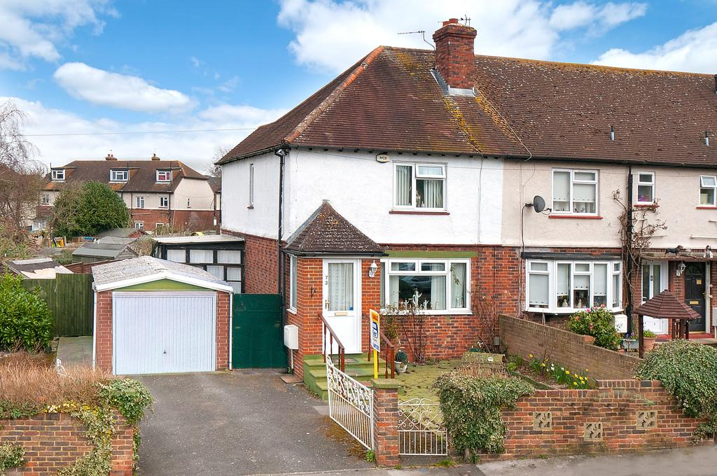 3 Bedrooms Semi Detached House for sale in Quarry Road, Tovil