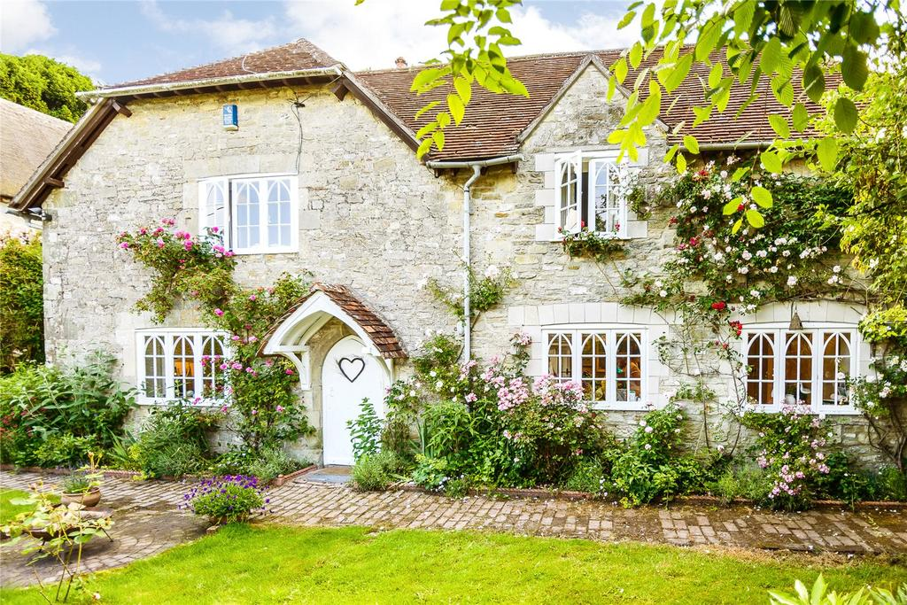 3 Bedrooms Detached House for sale in Fisherton De La Mere, Warminster, Wiltshire