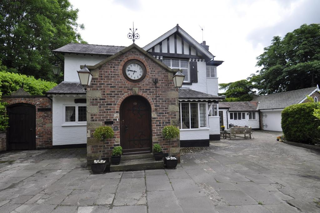 4 Bedrooms Detached House for sale in Tenement Lane,Bramhall