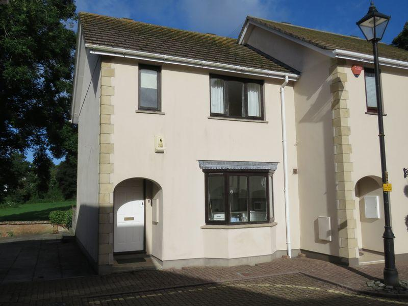 2 Bedrooms Semi Detached House for sale in David Penhaligon Way, Truro